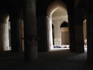 isfahan men resting
